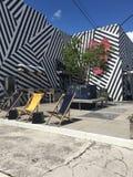 Eco sztuka w Miami, czarny i biały paski Fotografia Royalty Free