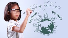 Ecologia del globo del disegno della bambina Fotografie Stock Libere da Diritti