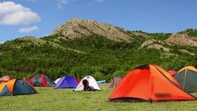 Ecologisch toerismefestival, kampeerterrein stock footage