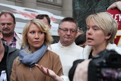 The ecologist Evgenia Chirikova speaks at an oppositional action, the politician Alyona Popova nearby Stock Photography