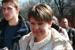 Ecologistas Yevgenia Chirikova e Yaroslav Nikitenko na reunião dos defensores da floresta de Khimki Imagens de Stock