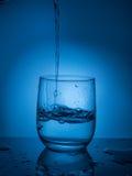 Ecologycal Konzept Wässern Sie Bewahrung, Wasservorkommen, Reinigung, klares Wasser, Wasserleck Lebensstil für Gesundheitswesen Stockbilder