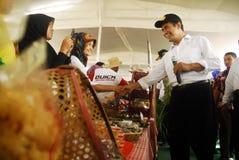ECONOMÍA GLOBAL DEL GOLPE DE LOS PRECIOS DEL PETRÓLEO DE INDONESIA Fotos de archivo