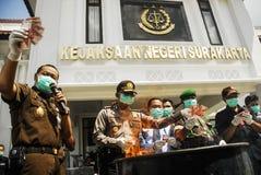 ECONOMÍA GLOBAL DEL GOLPE DE LOS PRECIOS DEL PETRÓLEO DE INDONESIA Imagen de archivo libre de regalías
