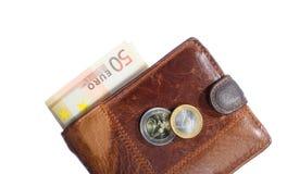 Economía y finanzas. Cartera con el billete de banco euro aislado Fotos de archivo