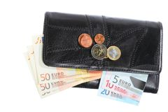 Economía y finanzas. Monedero con el billete de banco euro aislado Fotografía de archivo libre de regalías