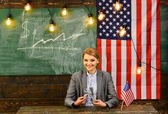Economia e finanze Patriottismo e libertà Festa dell'indipendenza di U.S.A. Riforma americana di istruzione alla scuola nel 4 lug Fotografie Stock Libere da Diritti