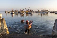 ECONOMIA MARITTIMA DELL'INDONESIA Fotografie Stock