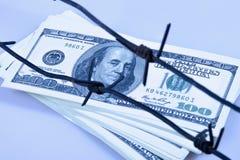 Economische oorlogvoering, sancties en embargo busting concept Doll van de V.S. royalty-vrije stock afbeelding