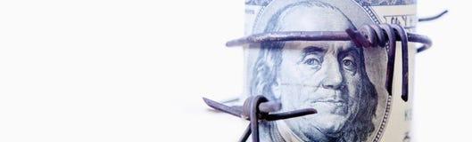 Economische oorlogvoering, sancties en embargo busting concept Doll van de V.S. royalty-vrije stock foto's