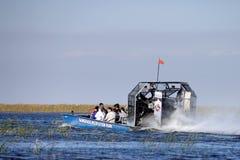 Ecoturismo: Excursão do Airboat dos marismas Imagem de Stock Royalty Free