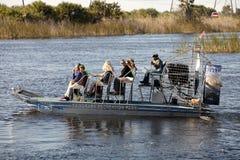 Ecoturismo: Giro del Airboat dei terreni paludosi Fotografia Stock Libera da Diritti