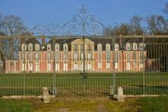 Ecouis Frankrike - marsch 15 2016: den Mussegros slotten Arkivfoton
