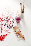 Ecquipment della pittura sopra fondo bianco bianco Fotografia Stock