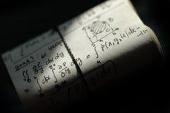 Ecuaciones de la matemáticas fotos de archivo