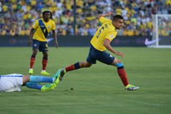 Ecuatorian gracz piłki nożnej fauluje podczas Copa Ameryka Centenari Obrazy Royalty Free