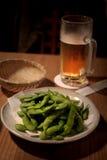 edamame пива Стоковые Фотографии RF