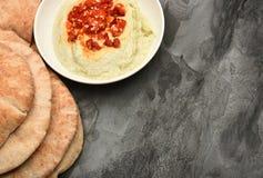 Edamame Hummus y Pita Bread Foto de archivo