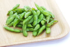 Edamame nibbles, boiled green soy beans Stock Photography
