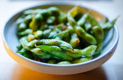 Edamame with sesame oil sauce Royalty Free Stock Photography