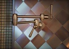 Edelstahl-Küchen-Arbeit Stockfotografie