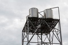 Edelstahlbehälter für Leitungswasser Lizenzfreie Stockbilder