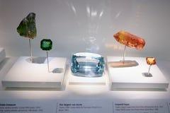 Edelsteine in der Naturgeschichtliches Museums-Sammlung in London Lizenzfreie Stockfotos