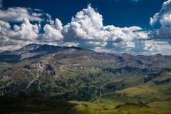Edelwais小山的高山全景和看法 免版税库存图片