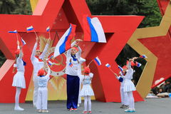 Edelweiss chorégraphique exemplaire d'ensemble dans Pyatigorsk, Russie Victory Day Parade photo stock