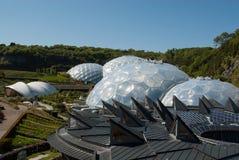 Eden Project Biomes und Landschaft Lizenzfreie Stockbilder