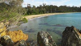 Eden-strand in Victoria, Australië, in de zomer stock videobeelden