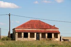 红色屋顶房子在Edenvale 免版税库存照片