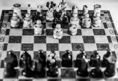 Edición blanco y negro del ajedrez Fotos de archivo libres de regalías