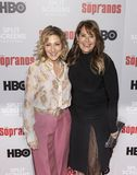Edie Falco et Lorraine Bracco photo stock