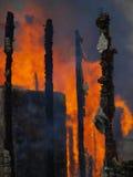 Edifício ardente Fotos de Stock Royalty Free