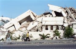 Edifício bombardeado no banco ocidental imagens de stock royalty free