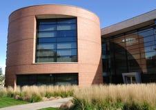 Edifício cilíndrico moderno do escritório ou da universidade Fotografia de Stock Royalty Free
