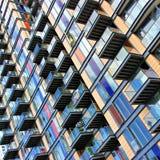Edifício com balcões Fotografia de Stock Royalty Free