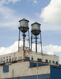 Edifício com silos Fotos de Stock Royalty Free