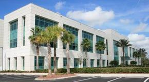 Edifício comercial moderno Imagens de Stock
