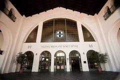 Edifício da estação de comboio de Santa Fe em San Diego fotos de stock