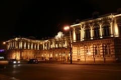 Edifício da noite Foto de Stock Royalty Free