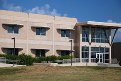 Edifício da universidade Fotografia de Stock Royalty Free