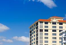 Edifício de apartamento Fotografia de Stock Royalty Free