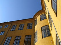 Edifício de apartamento Copenhaga fotografia de stock royalty free