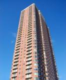 Edifício de apartamento do Highrise Imagens de Stock Royalty Free