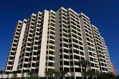 Edifício de apartamento do Highrise Imagens de Stock