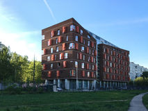 Edifício de apartamento moderno Imagens de Stock Royalty Free