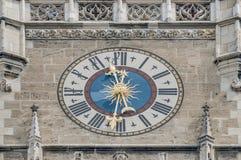 Edifício de Neues Rathaus em Munich, Alemanha Fotografia de Stock Royalty Free