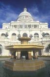 Edifício do Capitólio de Estados Unidos e fonte, Washington, C C fotografia de stock royalty free